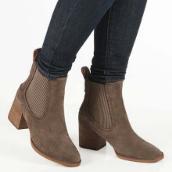 6fd5c3ac76f UGG Australia Faye Chelsea Bootie Suede Boots NEW